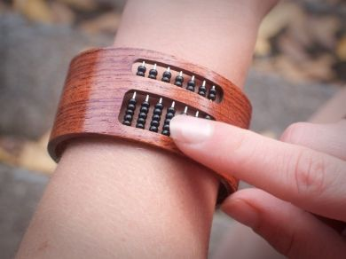 The abacus bracelet - Best calculator ever