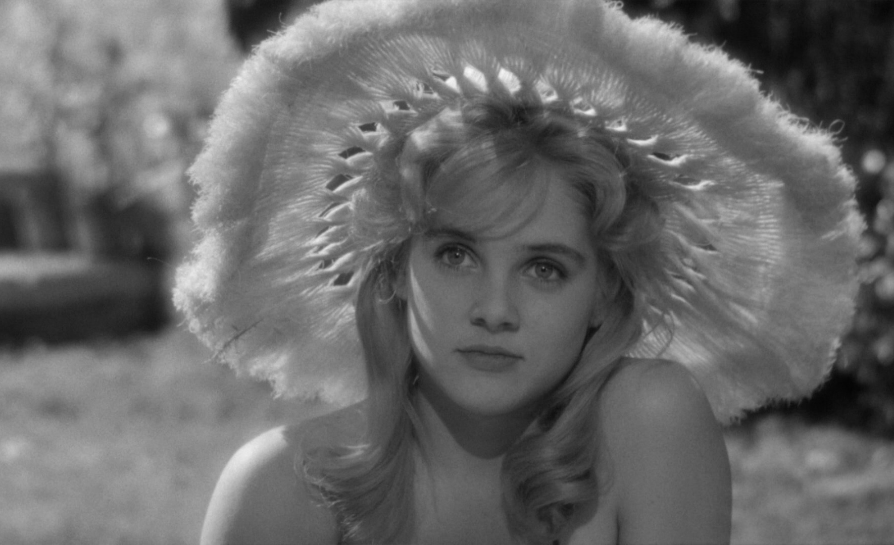 Sue Lyon nude (35 foto and video), Tits, Paparazzi, Twitter, bra 2018